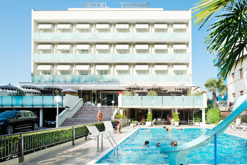 Hotel a cesenatico con piscina albergo 3 stelle all inclusive - Hotel torino con piscina ...